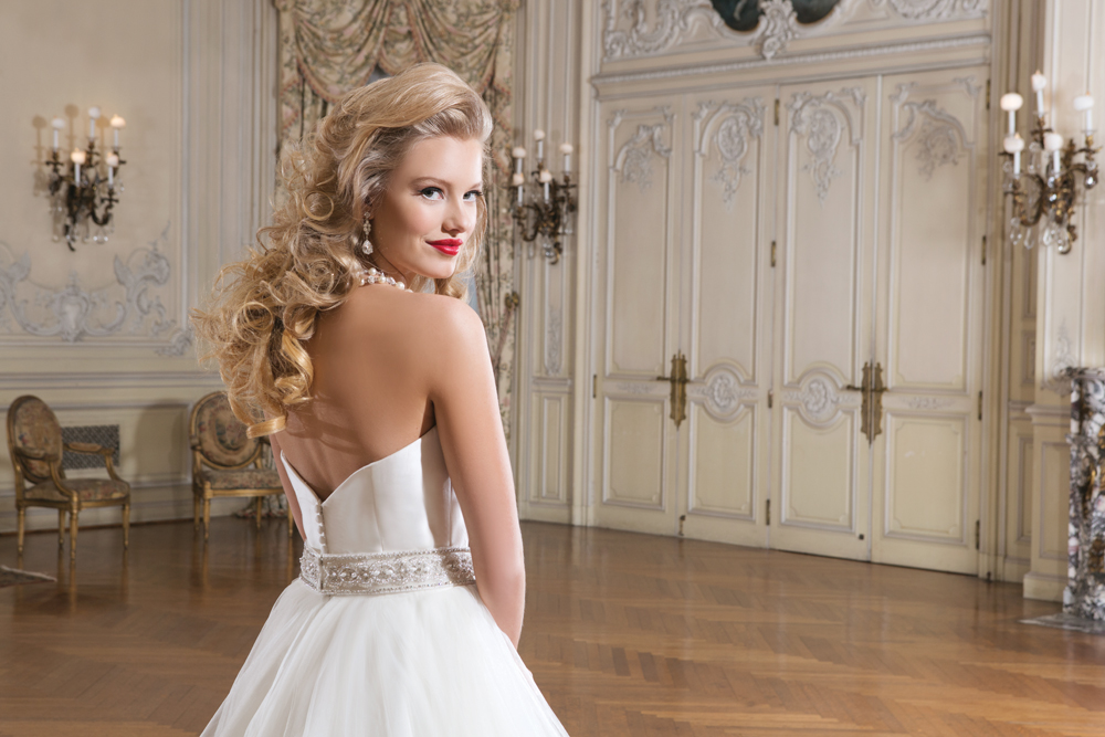 wedding dresses around swindon